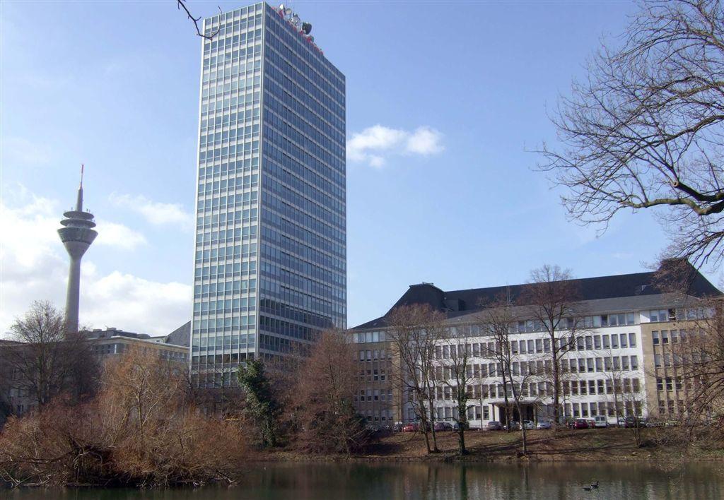 Abb. 6: Die früheren Mannesmann-, heutigen  Vodafone-Gebäude (c) Philipp Sanke