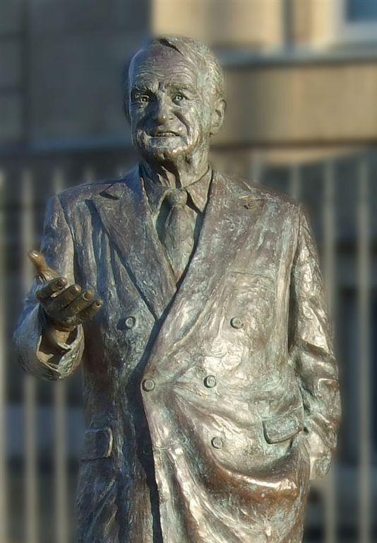 Rau- Statue (c) Philipp Sanke